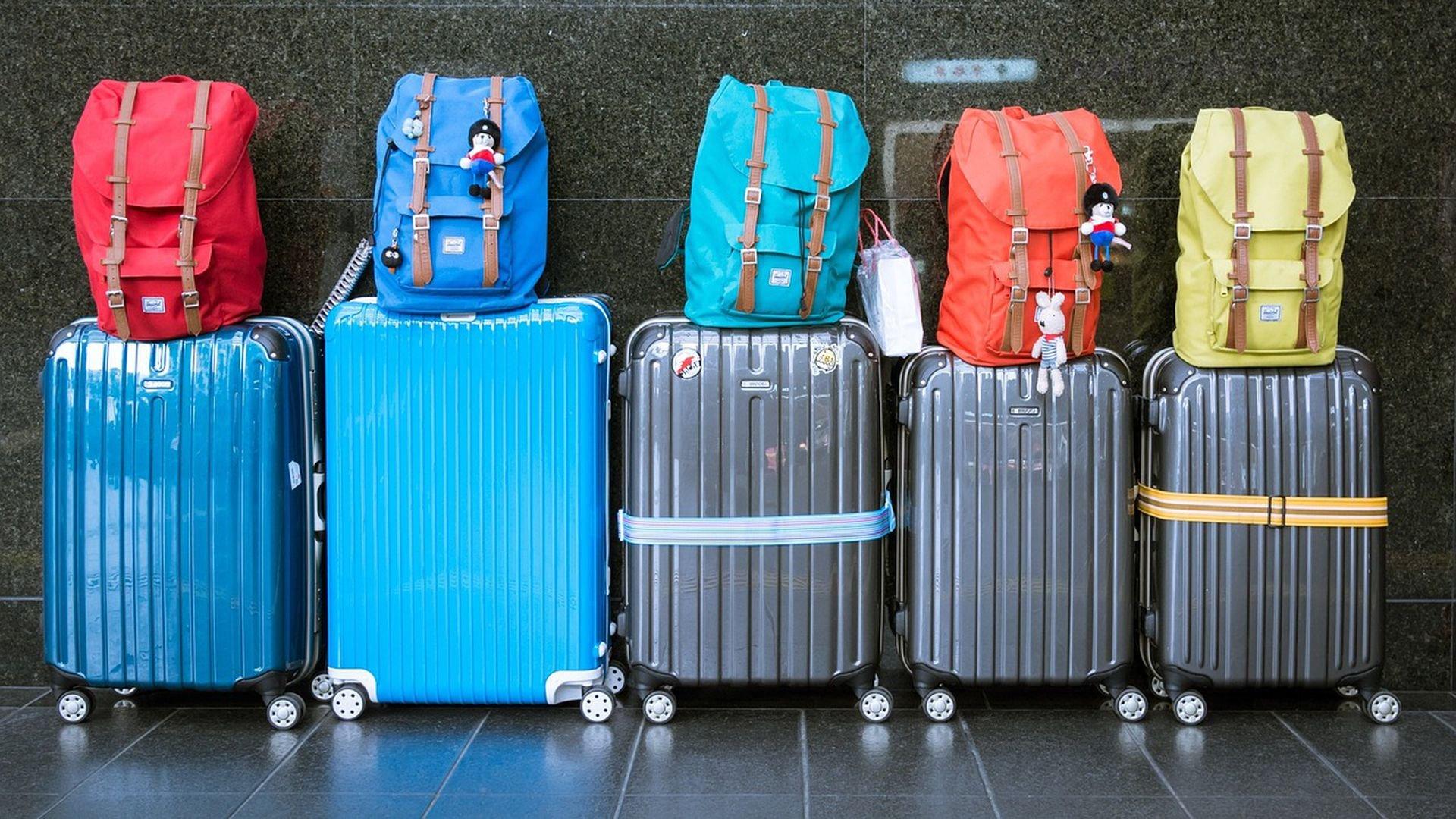 Туристы нашли способ не платить за перевес багажа