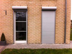 Ролеты на двери – как выбрать, особенности